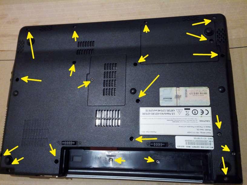 dévisser un ordinateur portable Packard Ball MH36