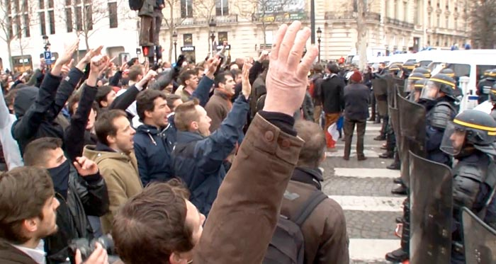 fascist-salute1.jpg